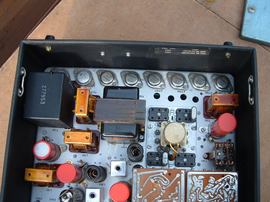 Pye Vanguard Transistors Amplitude Modulation Circuit Components Electrical Inside View Of The Top Unit Showing Line Germanium Power Which Are Part Ht Invertornkt404s And Am Modulator